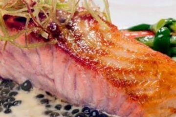 Lomos de Salmón con Salsa de Khay Avar Wakame