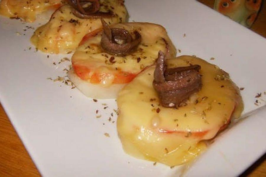 Patatas Gratinadas con Bonito y Anchoa
